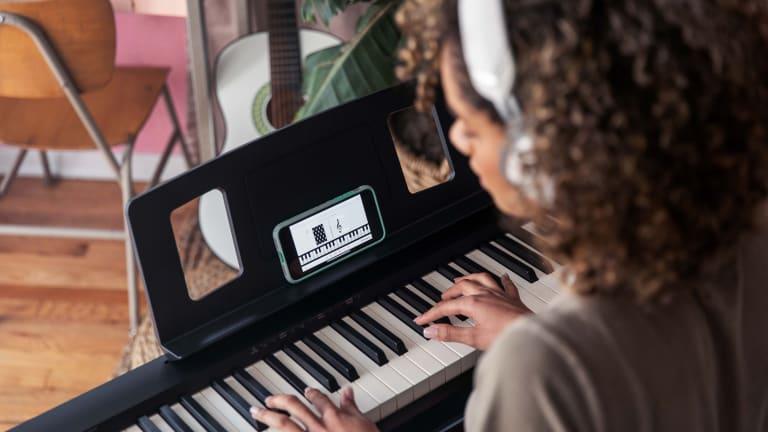 Cùng tìm hiểu Roland piano FP-10 và RP-302