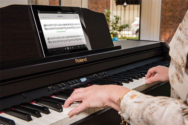 Mua đàn piano điện Roland chính hãng tại quận 6